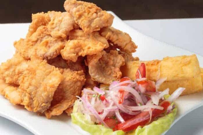 imagen de un plato de chicharron de pescado