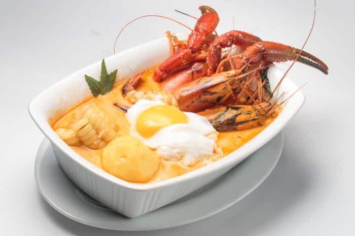 imagen de un plato de chupe de camarones